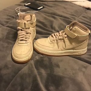 High top nike Air Force one